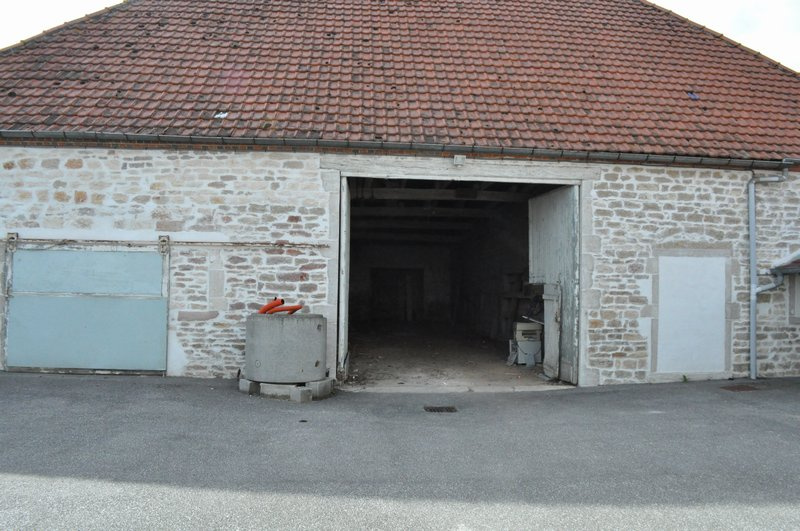 Location parking/box auxonne